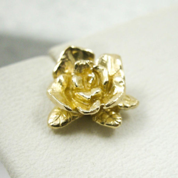Solid 10K Yellow Gold Handcarved Rose Flower Stud Earrings, 2.9 grams, Artisan